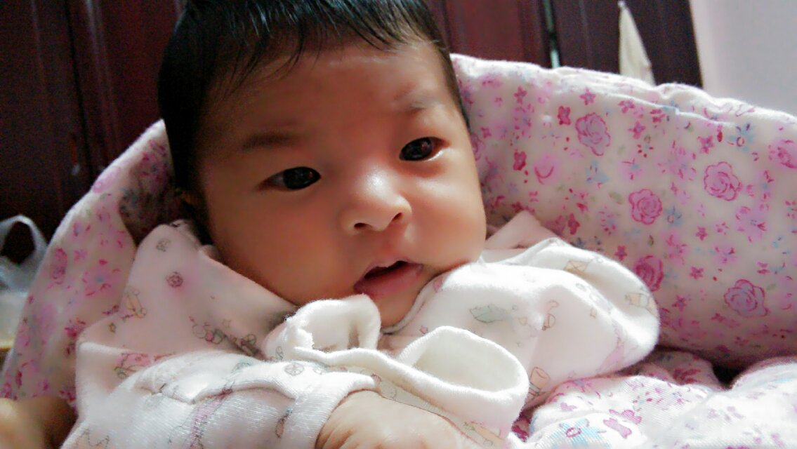 依依出生第23天随笔