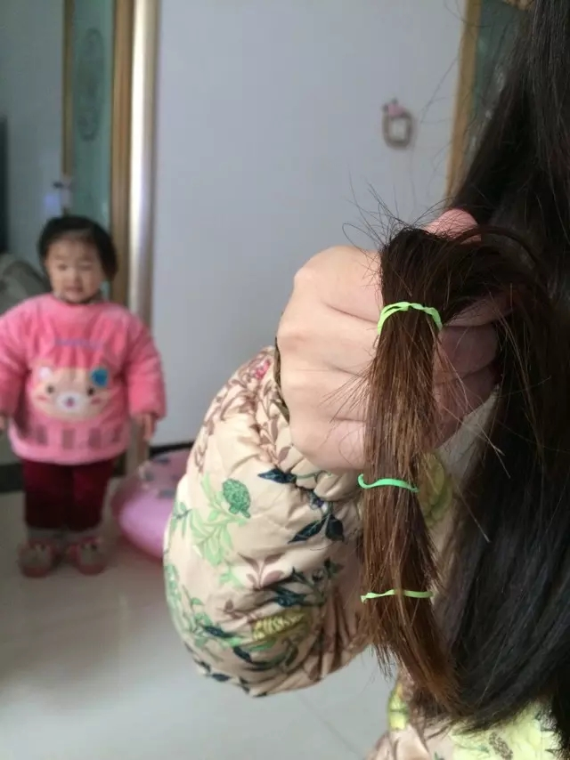 发型师依依