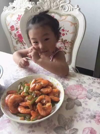 依依要吃虾